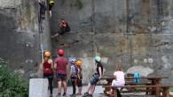 Ve sporu o čtvrtý nástup na via ferratu na Pastýřské stěně v Děčíně končí kompromisem. Vedení města na základě posudku tvrdilo, že nástup je nebezpečný a po autorovi trasy žádalo […]